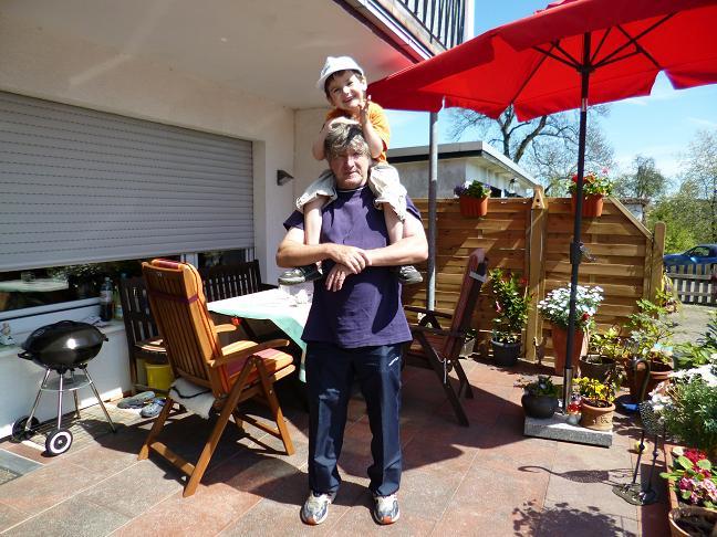 Stephan Kloppert mit seinem Neffen Mika