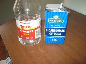 Baking soda and spirit vinegar are often effective against blocked drain pipes and toilets.
